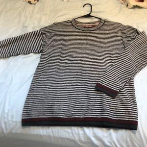 🔥Tommy🔥 Sweater size medium